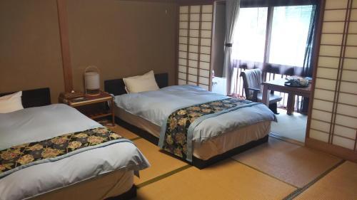 Hanamandara, Toyooka