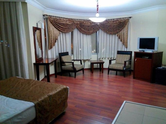 Kadiroglu Hotel, Merkez