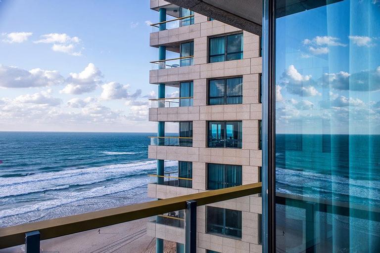 Okeanos Suites Herzliya Hotel by Herbert Samuel,
