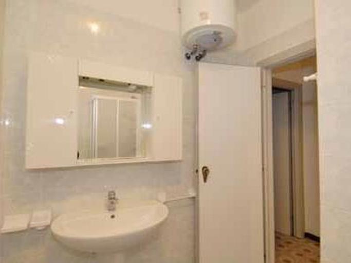 Azalea - Two Bedroom, Rovigo
