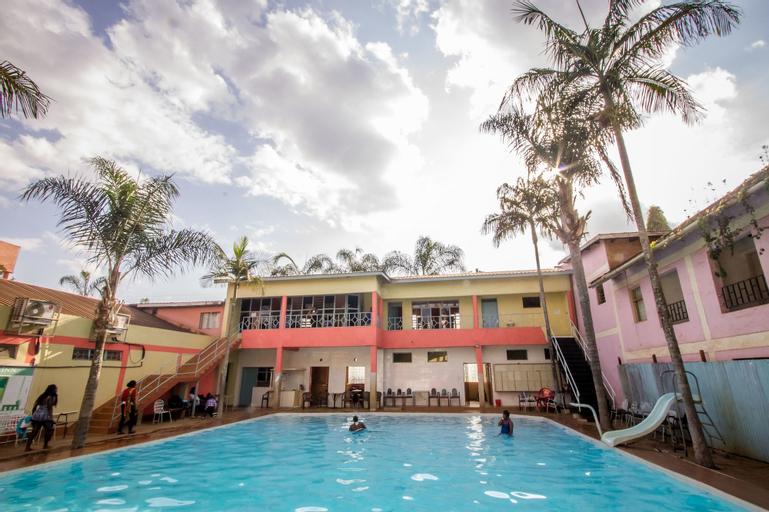Royal Minni Inn, Manyatta