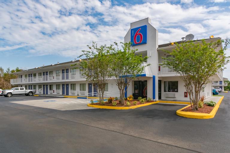 Motel 6-Ft. Pierce, FL, Saint Lucie