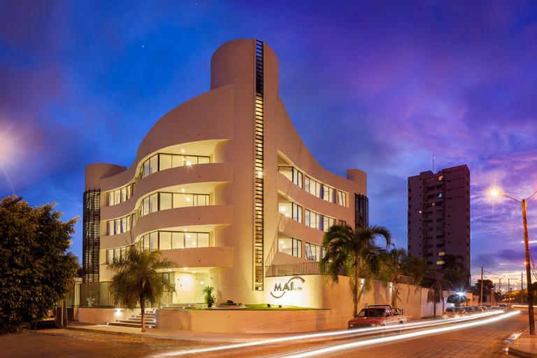 Mai Suites Apart Hotel, Andrés Ibáñez