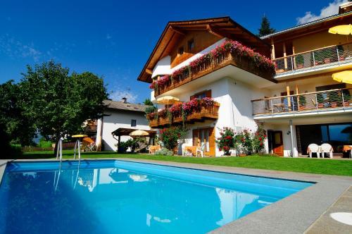 Haus Rosengarten, Bolzano