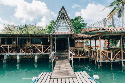 Airai Ocean View Lodge,
