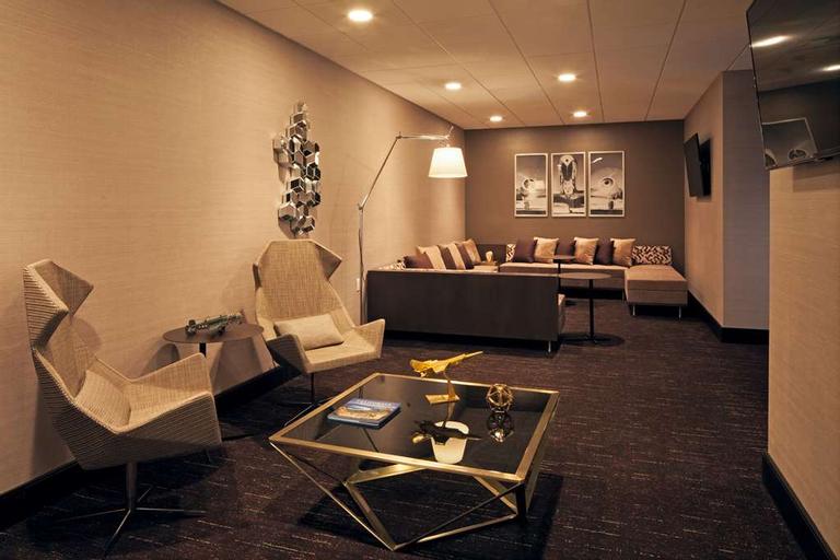 H Hotel Los Angeles, Curio Collection by Hilton, Los Angeles
