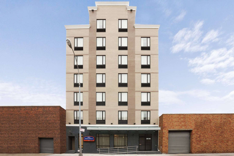 Wingate by Wyndham Jamaica NY/ AirTrain JFK, Queens
