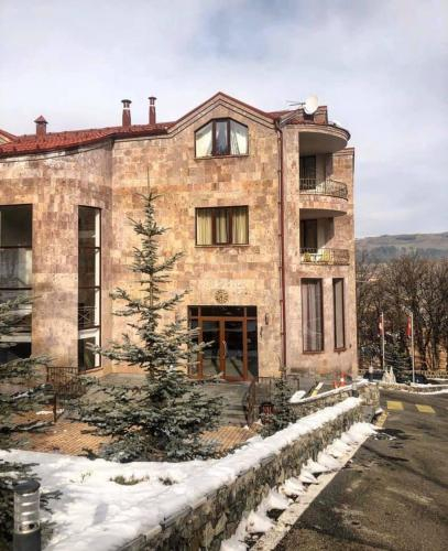 Alpina Hotel,
