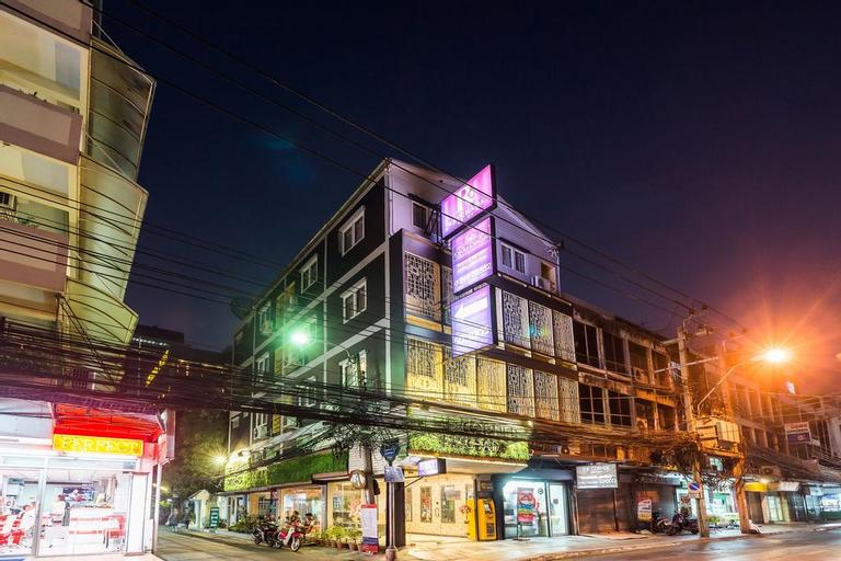 The Corner Ratchada, Huai Kwang