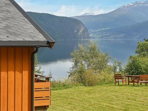 Three-Bedroom Holiday home in Utvik 1, Stryn