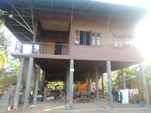 Prey Kach Dang Herm Homestay, Puok