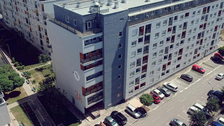 Novel Inn, Novi Beograd