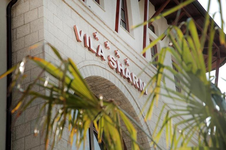 Vila Sharm, Gjirokastrës