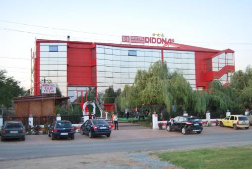 Motel Didona B, Sendreni