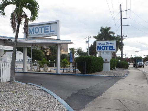 Royal Palms Motel, Martin