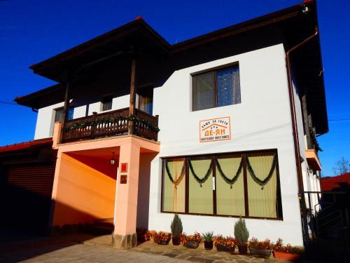 DE-YAN Guest House, Troyan