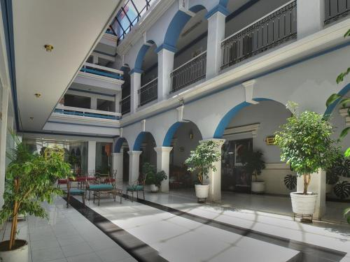 Luz Palace Hotel, Cercado