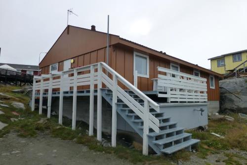 IceCap Hostel,