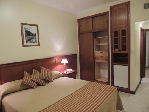 Hotel Cuprum, Capital