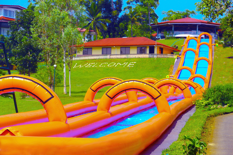 Caliraya Resort Club, Lumban