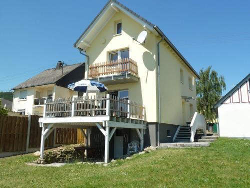 Detached Holiday Home in Stipshausen with Garden, Birkenfeld