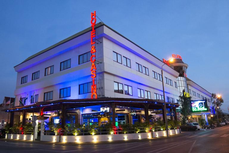 Elegance Hotel & Casino N.V., Rainville