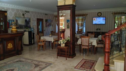 Hotel Guri, Elbasanit