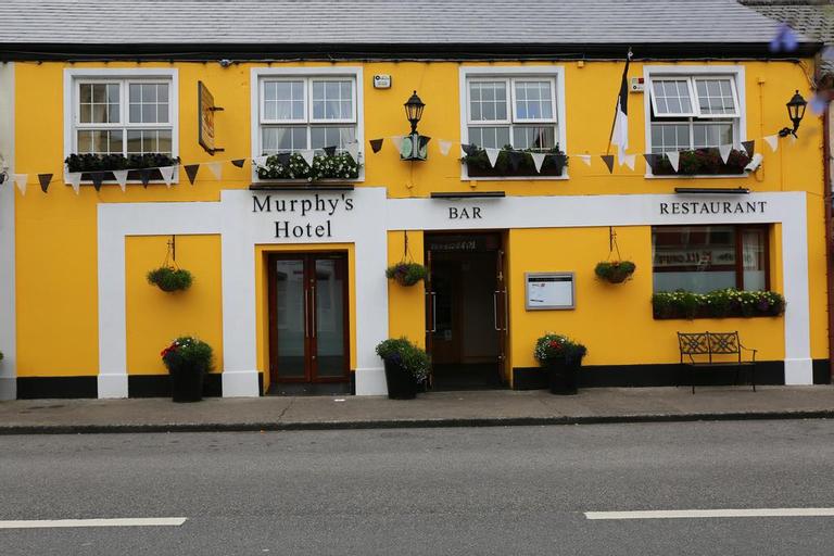 Murphy's Hotel, Pyneston