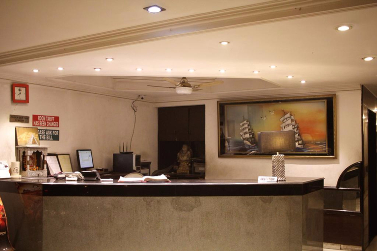 FabHotel Star Delhi Airport, West