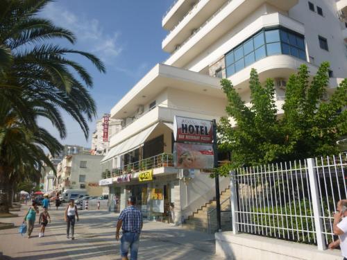 Hotel Rossi, Vlorës