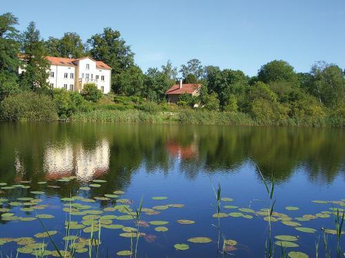 Villa am Trumpf - Individuelle Ferienwohnungen am See, Uckermark