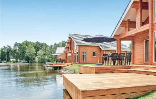 Holiday home Heel 99 with Outdoor Swimmingpool, Heythuysen