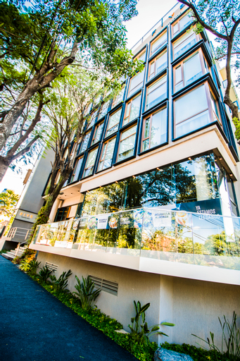 Five Rochester Hotels, Asunción
