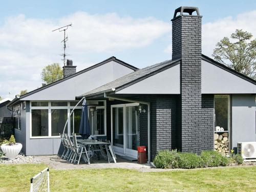 Three-Bedroom Holiday home in Strøby 2, Stevns