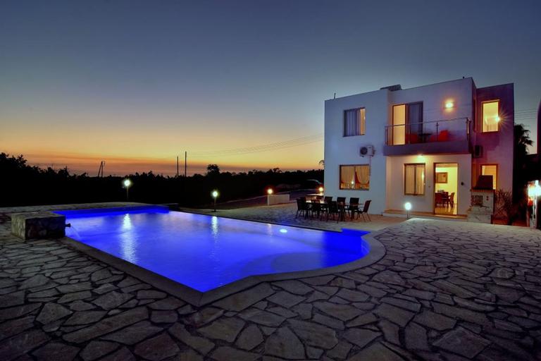 Oniros Villa,