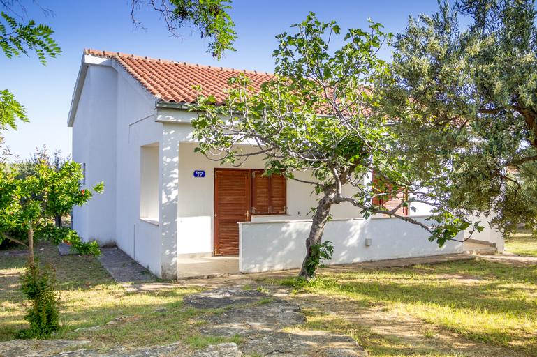 Villas Miran, Pirovac
