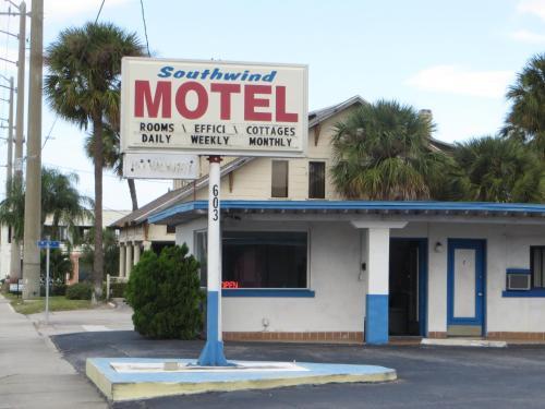 Southwind Motel, Martin