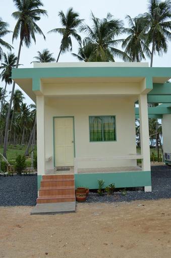 Baan Chomlay Resort, Khanom