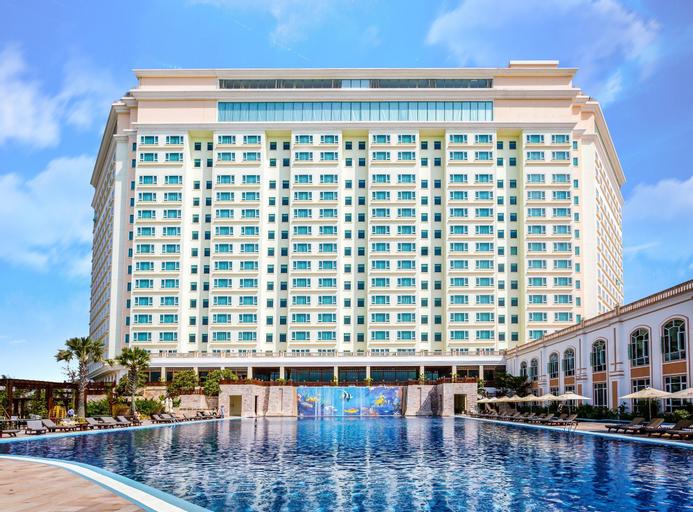 Sokha Phnom Penh Hotel, Ruessei Kaev