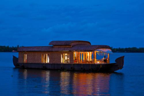 Abad Premium House Boat, Alappuzha