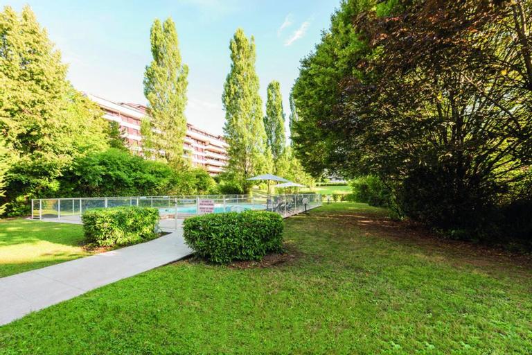 Appart'City Confort Genève Aéroport – Ferney Voltaire, Ain