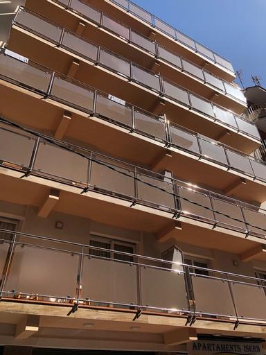 Apartamentos AR Isern, Girona