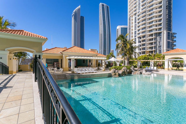 Mantra Towers of Chevron, Surfers Paradise