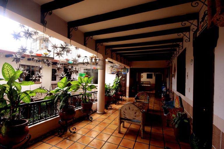 HOTEL REGIS, Uruapan