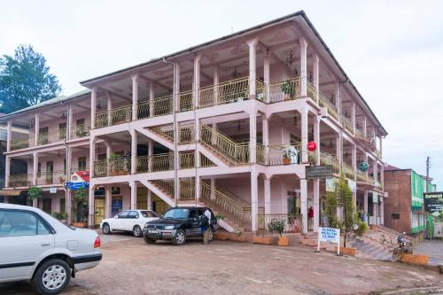 Capricon Executive Hotel, Kabale