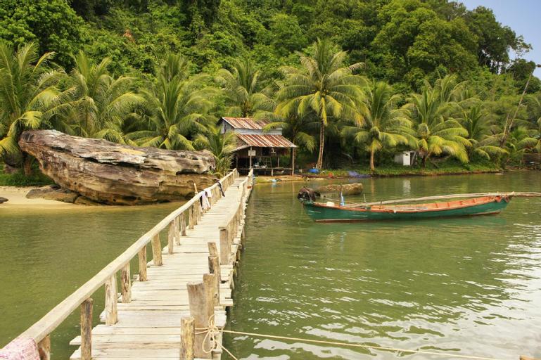 Monkey Maya Ream National Park, Prey Nob