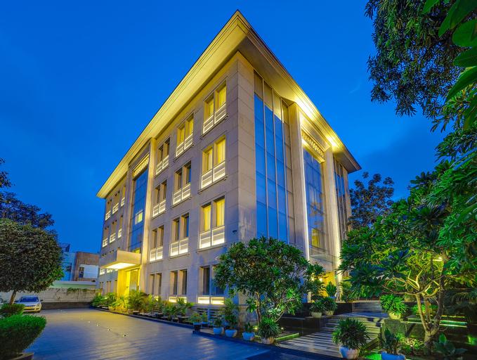 The Muse Sarovar Portico - Nehru Place, West