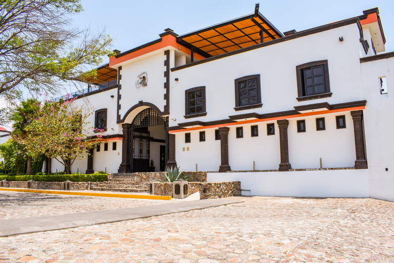 The Latit Real Hacienda de Santiago, El Marqués