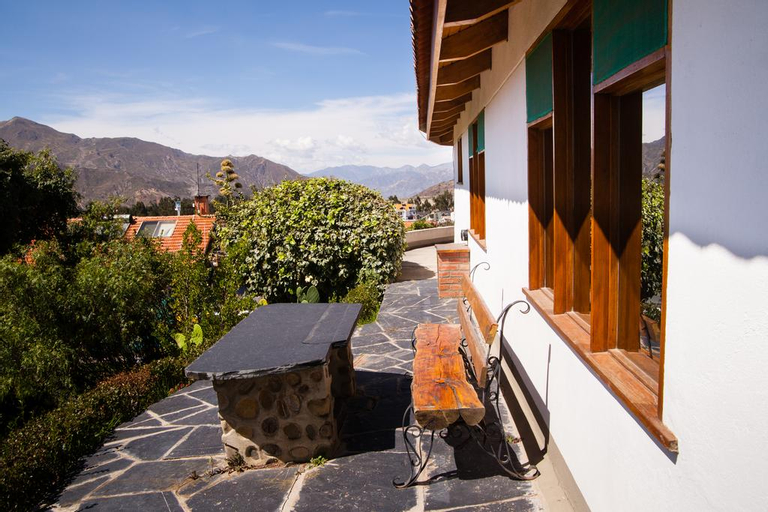 Hotel Oberland, Pedro Domingo Murillo
