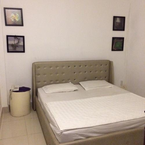 Honeymoon Hotel, Phú Nhuận